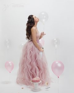 30th Cake Smash Kissing Balloon